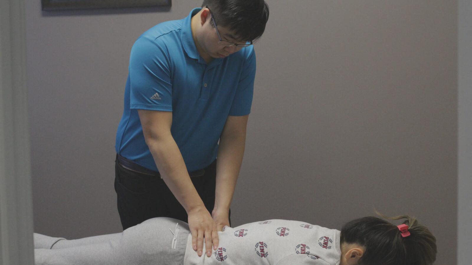 Vancouver chiropractor adjustment